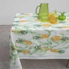 Toalha de mesa TROPICAL | ASA by LAMEIRINHO || Tablecloth TROPICAL | ASA by LAMEIRINHO Tropical, Decorative Boxes, Portugal, Articles, Home Decor, Wings, Towels, Green Tablecloth, Printed Cotton