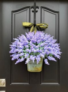 EASY DIY Hydrangea Wreath You can find this gorgeous French Inspired Lavender Bucket along with my coral and celery tulip bucket in , , and . **YOU can see ALL of my 2017 SPRING/SUMMER Wreaths and Buckets here: Lavender Decor, Lavender Wreath, Hydrangea Wreath, Tulip Wreath, Floral Wreaths, Sunflower Wreaths, Front Door Decor, Wreaths For Front Door, Door Wreaths