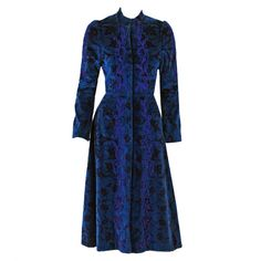 Thea Porter fitted princess coat in embroidered, printed velvet. Vintage Dresses, Vintage Outfits, Vintage Fashion, Blue Dresses, Vintage Wardrobe, Classic Fashion, Bohemian Fashion, Vintage Clothing, Style Fashion