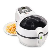 Ingredientes para unas patatas fritas sin grasa: 4 patatas, 1 cucharada de aceite y Freidora Tefal FZ7510 ActiFry Snacking