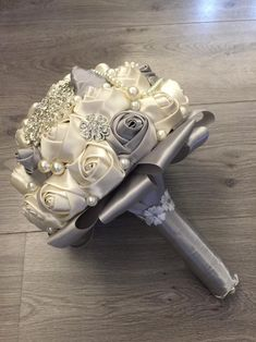 1 million+ Stunning Free Images to Use Anywhere Vintage Bridal Bouquet, Wedding Brooch Bouquets, Bride Bouquets, Bridal Flowers, Flower Bouquet Wedding, Bridesmaid Bouquet, Bouquet Bling, Beaded Bouquet, Bridal Accessories