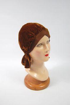 1920s Rust Brown Velvet Flapper Cloche // by FrocksnFrillsVintage