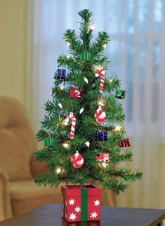 mini-christmas-tree-decorating-ideas
