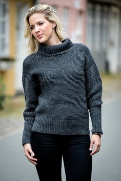 1495: Grå sweater med brede ribkanter i Easy Care Big. Fra Efterår/Vinter Kollektion 2016.   Mayflower Easy Care Big
