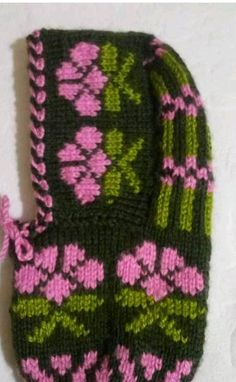 Knitting Needle Sets, Baby Knitting Patterns, Lace Knitting, Knitting Socks, Crochet Hats For Boys, Baby Mittens, Hat Tutorial, Knitted Gloves, Knitting For Beginners