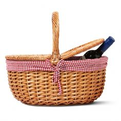 Traditional picnic basket from Tiger Stores UK for picnic themed wedding decor! Or just picnics in general!
