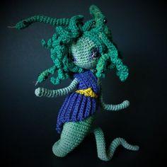 Medusa Sprite add on pattern DRESSupSET for Fantasy or Water Sprites. English(USA)&Dutch by FantasySpriteStudio on Etsy Crochet Patterns Amigurumi, Crochet Dolls, Aluminum Crafts, Fingering Yarn, Crochet Projects, Crochet Ideas, Diy Crochet, Thread Crochet, Crochet Stitches
