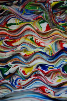 Shaving cream painting! Get creative with your not so typical craft supplies! Kids will have a blast making these colorful paintings with items you have lying around the house!