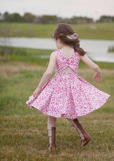 Cute Girl Dresses, Little Girl Dresses, Dress Girl, Baby Dresses, Kids Dress Wear, Kids Gown, Baby Frocks Designs, Kids Frocks Design, Kids Dress Patterns