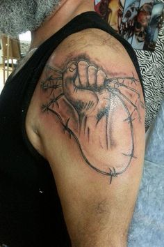 Özgürlük Dövmesi Peri Dövmesi Lucky Ink Tattoo Gazi Kadınlar sokağı Alsancak Konak 0554 743 78 58 www.facebook.com/izmir.tattoo.piercing https://www.izmirtattoo.com/ https://www.tattooluckyink.com/