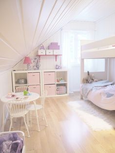 mommo design - BUNKS FOR GIRLS