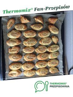 Cebulaki jest to przepis stworzony przez użytkownika annasa77. Ten przepis na Thermomix<sup>®</sup> znajdziesz w kategorii Słone wypieki na www.przepisownia.pl, społeczności Thermomix<sup>®</sup>. Muffin, Breakfast, Food, Thermomix, Morning Coffee, Essen, Muffins, Meals, Cupcakes