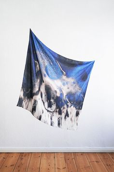 Karl und Olaf scarves