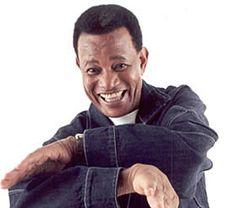 """Jair Rodrigues, um dos cantores mais populares do Brasil, com mais de 40 anos de carreira - desde que começou no Festival da Record cantando a música """"Disparada""""- considera a noite sua maior professora, pois aprendeu quase tudo que sabe artisticamente em casas de shows. Musicalmente seu grande mestre foi o cantor Agostinho dos Santos,...<br /><a class=""""more-link"""" href=""""https://catracalivre.com.br/geral/educacao-3/indicacao/jair-rodrigues-relembra-seu-tempo-de-escola/"""">Continue lendo »</a>"""