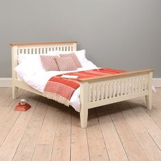 Beds | Oak, Pine and Painted Ranges | The Cotswold Company