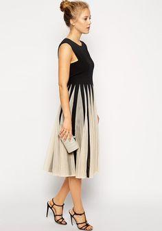 White-Black Patchwork Pleated Grenadine Sleeveless Dress