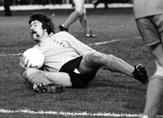 Hamish McAlpine in action for Dundee United against Rangers in Dundee United, Online Scrapbook, One Team, The Unit, Football, Club, Running, Scotland, Sports