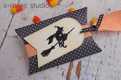 Amuse Studio Pillow Box Die and Any Other Night stamp set
