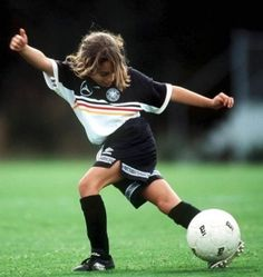 Girl Athletes Need Training to Protect Knees, Doctors Advise  - pinned by @PediaStaff – Please Visit ht.ly/63sNtfor all our pediatric therapy pins