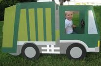 "garbage truck ""photo booth""!"