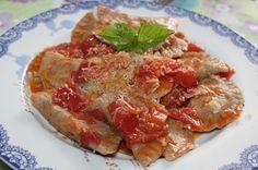 Mezzelune di farina integrale di farro e basilico con melanzane, patate e pancetta al pomodorino e basilico