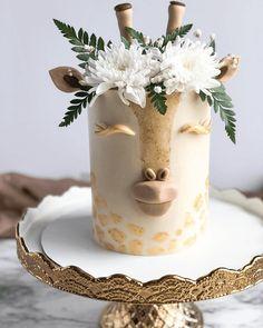 Giraffe Birthday Cakes, Giraffe Cakes, Pretty Birthday Cakes, Pretty Cakes, Cute Cakes, Beautiful Cakes, Birthday Cakes For Girls, Elegant Birthday Cakes, Beautiful Cake Designs