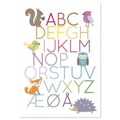 Ih hvor den er fin! Flott plakat inspirert av alfabetet. Den populære alfabetplakaten har fått en følgesvenn. Her med dyrene fra skogen. Morro for barn og voksne. Passer til de fleste og i de fleste rom. Plakaten leveres i A3 - uten ramme. Den er trykket i Norge.  Plakat med alfabetet, ekorn, ugle, fugler, rev og pinnsvin passer godt til barnerommet! Den passer i standard rammer fra bl.a. clas ohlson og Ikea.: