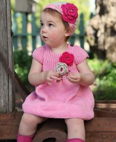 Ruffle Butts Pink Handmade Knit Dress for Girls mos. Baby Sweaters, Girls Sweaters, Hand Crochet, Crochet Baby, Crochet Geek, Toddler Boutique, Baby Fashionista, Knitted Flowers, Cute Outfits For Kids