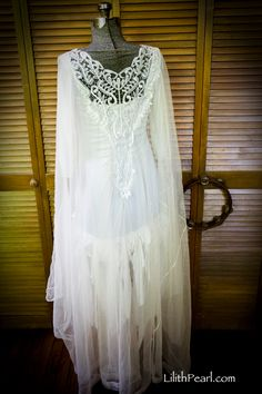 Upcycled Bohemian Dress with Gypsy Style - some ideas, anyway...