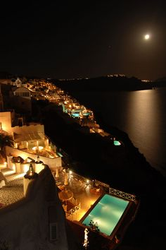 Santorini by night, Greece Vacation Destinations, Dream Vacations, Vacation Spots, Vacation Rentals, Places Around The World, Travel Around The World, Around The Worlds, Santorini Island, Santorini Greece
