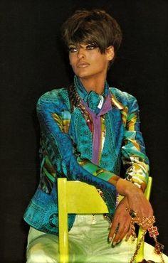 Linda Evangelista  -  Gianni Versace CollezioneRunway Show  Spring Summer 1991