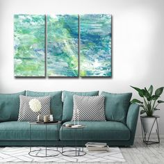 Triple canvas acrylic painting ideas for the living room behind the couch paintings. for the best home decor ideas on a budget. #DIYHomeDecorOnABudget