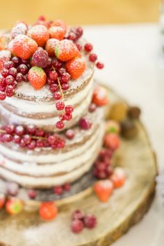 Naked cake dressed up with berries: http://www.stylemepretty.com/destination-weddings/2015/05/20/festive-christmas-inspired-prague-wedding/ | Photography: Inspired by Love - http://www.inspiredbylove.co/