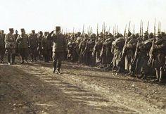 VICENZA, FEBBRAIO 1918. IL GENERALE PECORI GIRALDI PASSA IN RASSEGNA LE TRUPPE