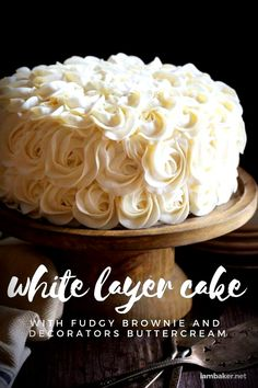 This showstopping cake could not be easier! Brownie layers perfectly compliment white cake and then are topped with a beautiful buttercream rosette frosting that will showcase your cake decorating and piping skills! Healthy Fast Food Options, Fast Healthy Meals, Retirement Party Cakes, Baking Recipes, Cake Recipes, Surprise Inside Cake, I Am Baker, Fast Food Chains, Fudgy Brownies