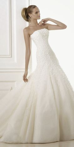 pronovias-2015-wedding-dresses-BATEL_B.jpg (660×1317)