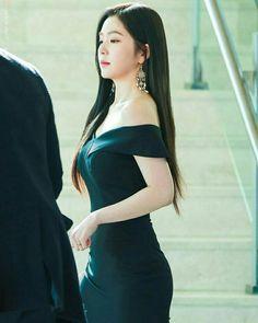Red velvet Irene ❤ my queen 👑 Red Velvet アイリーン, Red Velvet Dress, Dress Red, Seulgi, Korean Outfits, Beautiful Asian Girls, Irene, Asian Woman, Kpop Girls
