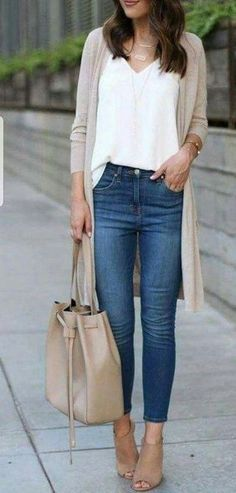 38 pretty spring work outfits for women 2019 00051 Litledress - Women Jeans - Id. Spring Work Outfits, Casual Winter Outfits, Outfits For Women Casual, Casual Style Women, Clothes For Women In 20's, Casual Weekend Outfit, Simple Fall Outfits, Spring Fashion Outfits, Spring Clothes