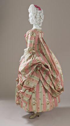 Woman's Dress and Petticoat (Robe à la française) Spain; Textile: France, circa 1775 Costumes Silk (M.2007.211.720a-b) | LACMA Collections