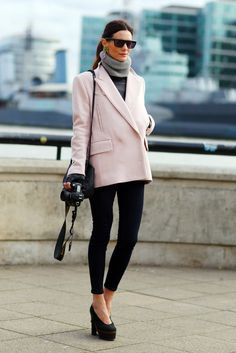 Fashion Inspiration: Gorgeous pink coat and neck warmer