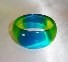 Vintage Wide Transparent Quadrant Lucite Bangle Bracelet