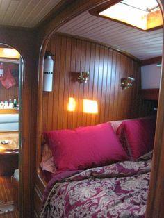 Beautiful sailboat interior - Page 16 - SailNet Community Liveaboard Sailboat, Liveaboard Boats, Sailboat Living, Living On A Boat, Boot Dekor, Sailboat Restoration, Sailboat Interior, Boat Stuff, Narrowboat