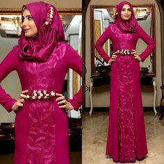 Shayan Yakut Abiyemizin Fuşya rengi.. #shayan #shayanwear #tesettür #tesettur #giyim #bayangiyim #abiye #tesettürabiye #tekstil #design #fashion #hijab #hijabers #giyimkuşam #toptan #womenwear #eveningdress #online #shopping by shayan_tekstil