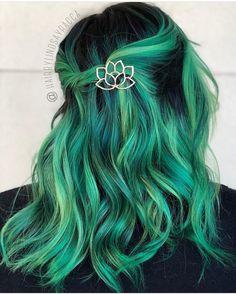 "13.1 mil Me gusta, 51 comentarios - Pulp Riot Hair Color (@pulpriothair) en Instagram: ""@hairbylindsayracca is the artist... Pulp Riot is the paint."""