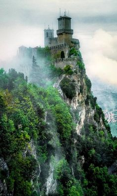 The misty San Marino Castle in Italy. The misty San Marino Castle in Italy. Chateau Medieval, Medieval Castle, Medieval Wedding, Gothic Wedding, Beautiful Castles, Beautiful Places, You're Beautiful, The Places Youll Go, Places To Visit