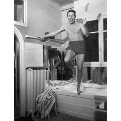 """Les plus belles photos des #archives de @parismatch_magazine - #1955 - #CharlesTrenet est au sommet de sa gloire. Il a vendu 10 millions de disques et s'est vu remettre un chapeau d'or pour ses 20 ans de carrière. La même année il écrit cette chanson """"Moi j'aime le #musichall"""" qui est une déclaration d'amour à son métier de chanteur. Mais dès #1957 il va vivre une très longue traversée du désert. Charles #Trenet n'est plus prophète en son pays et il faudra attendre #1970 pour le voir de… 10 Millions, Charles Trenet, French Icons, Paris Match, Or, Magazine, Album, Vintage, Instagram Posts"""