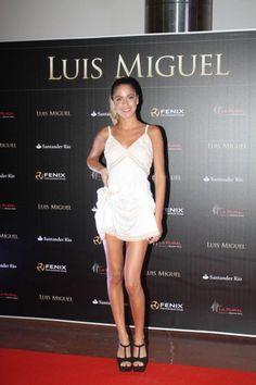 Martina Stoessel - la Gala de Luis Miguel