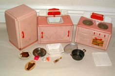 1950s MADE IN GERMANY CHILDRENS TIN KITCHEN SET