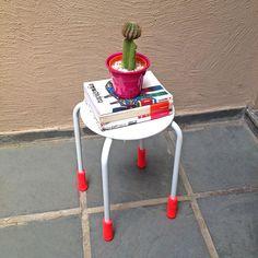 Crochê+|+Capa+pés+de+cadeira+-+ManüMonuMei