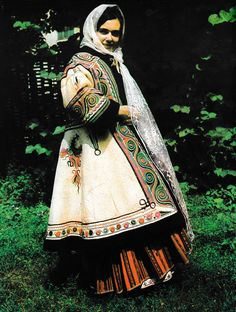 Romanati, Oltenia (Wallachia) Spanish Costume, Mexican Costume, Folk Costume, Costumes, Folk Clothing, Fashion Now, People Of The World, Costume Design, Traditional Outfits